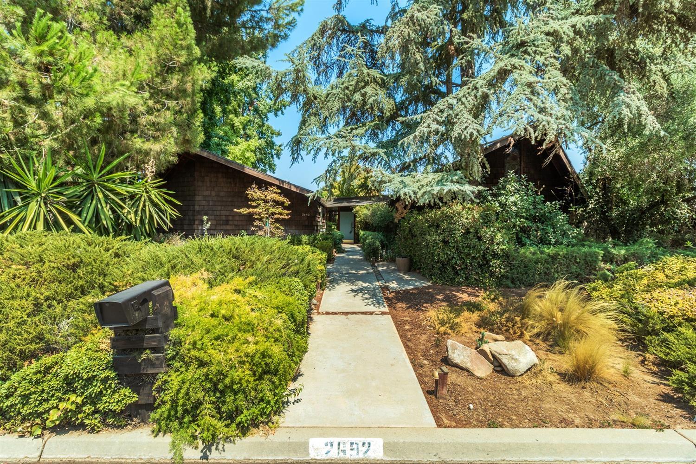 2692 W Roberts Ave, Fresno, CA 93711
